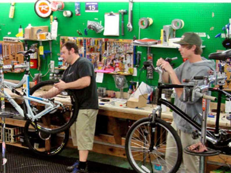 Ski-Haus-bike-repair-01