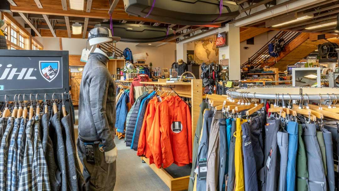 Ski-Haus-mens-active-wear