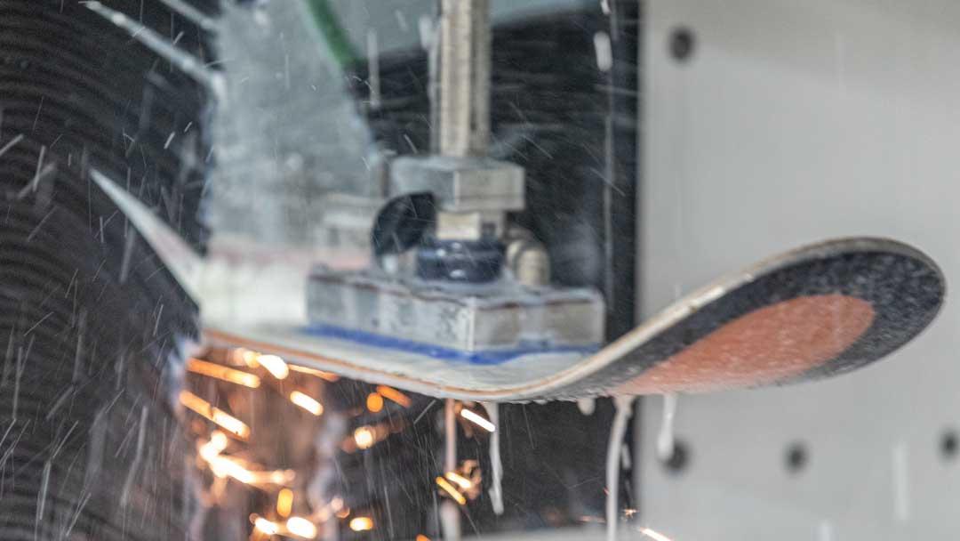 Ski-Haus-ski-tuning-repair-montano-grinding-edges-01