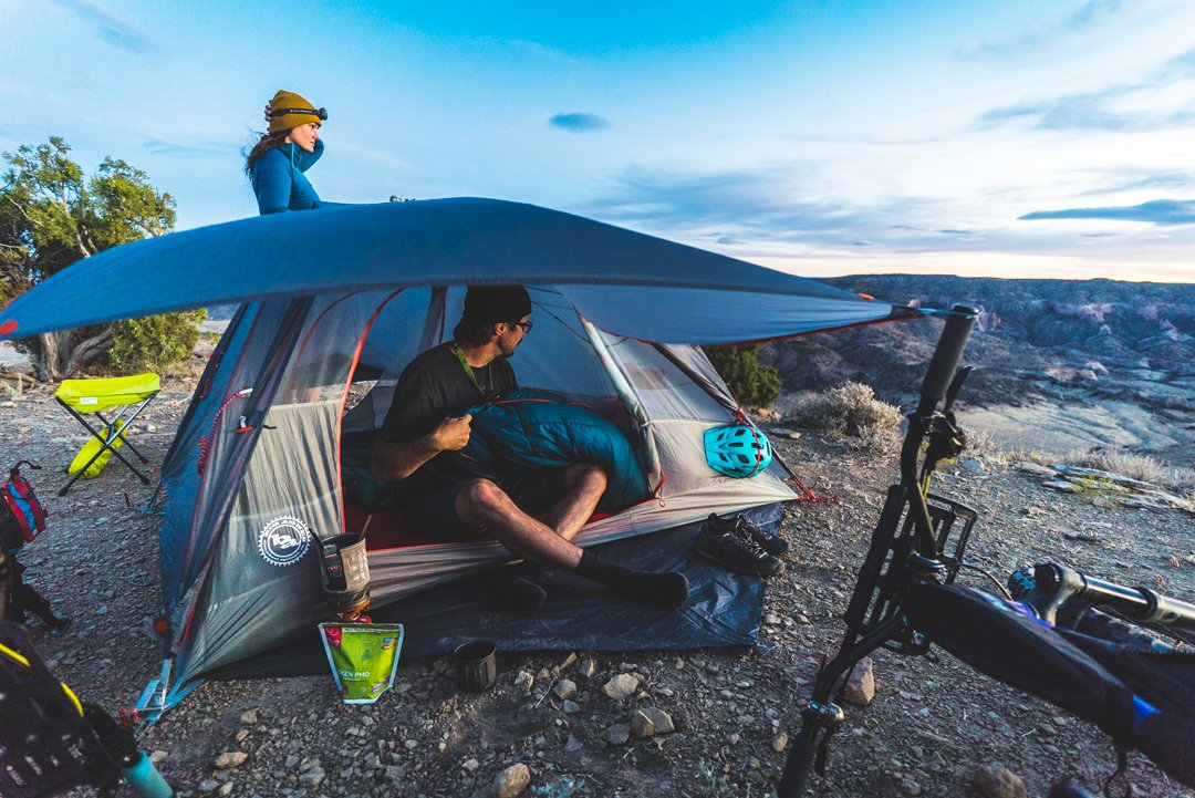 The big agnes copper spur bike tent is easy to use and carry and its comfortable